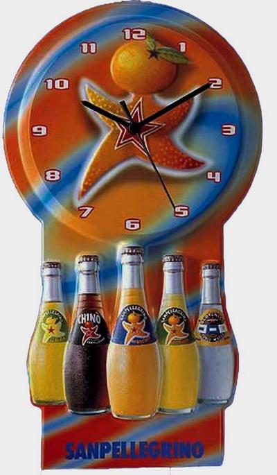 thermoformage presentoir-plastique-horloge-publicitaire-San-Pellegrino